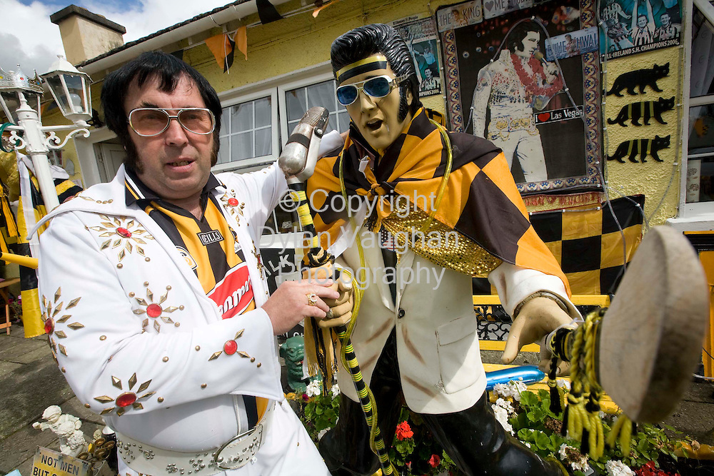 4/9/2008.Kilkenny's Elvis Myles Kavanagh pictured showing his support for the Kilkenny Team at his home at Thomas Square.Picture Dylan Vaughan.