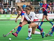 BILTHOVEN - hoofdklasse competitie dames, SCHC-Amsterdam.  Kelly Jonker (A'dam) met Suzanne Homma (SCHC) .  COPYRIGHT KOEN SUYK