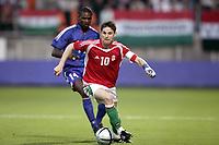 Fotball<br /> Privatlandskamp<br /> Frankrike v Ungarn<br /> 31.05.2005<br /> Foto: Dppi/Digitalsport<br /> NORWAY ONLY<br /> <br /> ZOLTAN GERA (HUN) / ERIC ABIDAL (FRA)