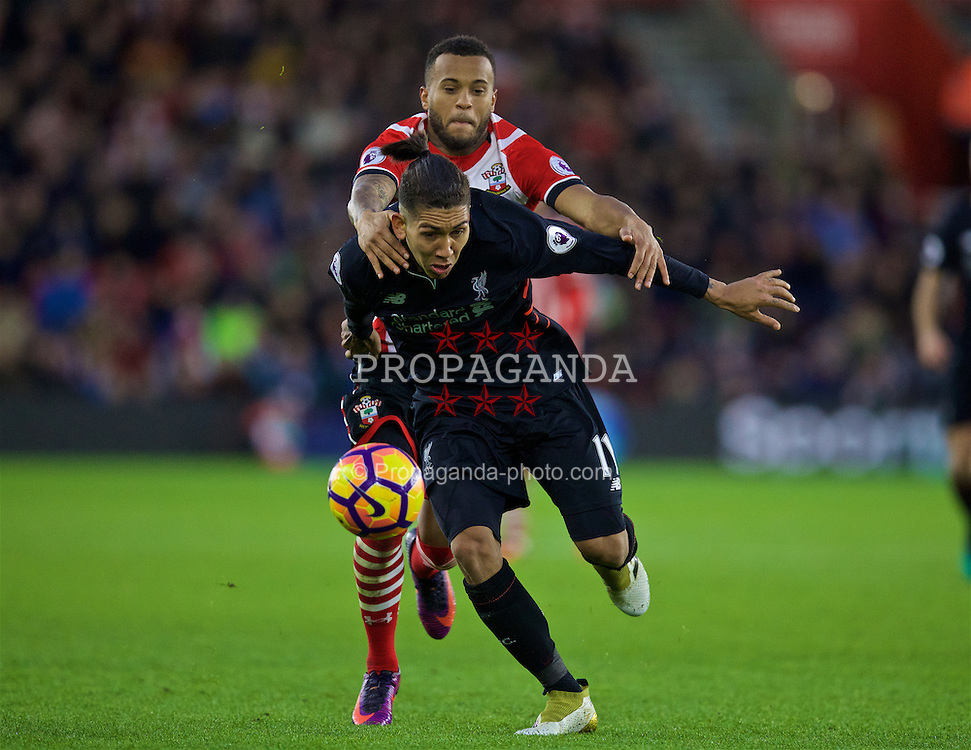 SOUTHAMPTON, ENGLAND - Saturday, November 19, 2016: Liverpool's Roberto Firmino in action against Southampton's Ryan Bertrand during the FA Premier League match at St. Mary's Stadium. (Pic by David Rawcliffe/Propaganda)