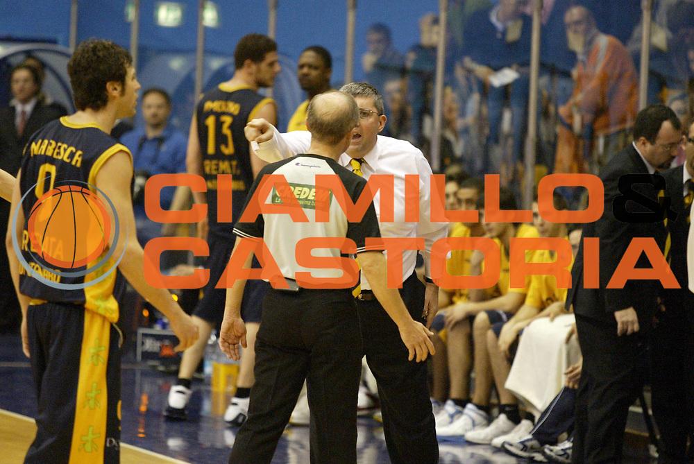 DESCRIZIONE : Milano Lega A1 2006-07 Armani Jeans Milano Premiata Montegranaro<br /> GIOCATORE : Pillastrini Arbitro<br /> SQUADRA : Premiata Montegranaro<br /> EVENTO : Campionato Lega A1 2006-2007 <br /> GARA : Armani Jeans Milano Premiata Montegranaro<br /> DATA : 04/03/2007 <br /> CATEGORIA : Delusione<br /> SPORT : Pallacanestro <br /> AUTORE : Agenzia Ciamillo-Castoria/G.Cottini