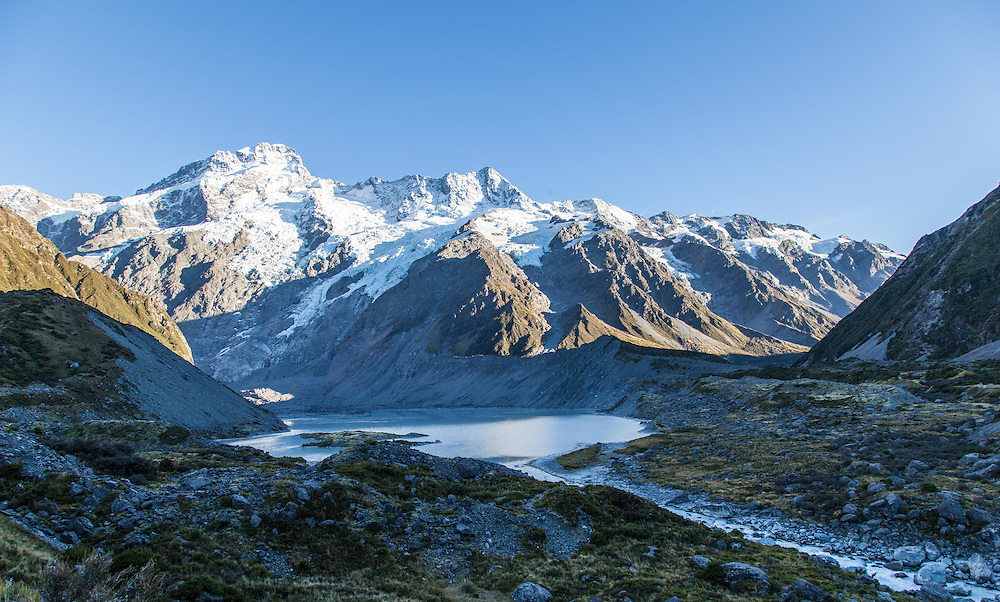 Meuller Lake and Mount Sefton (3,100m)