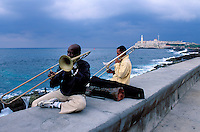 Cuba, La Havane, Le Malecon // Cuba, Havana, The Malecon