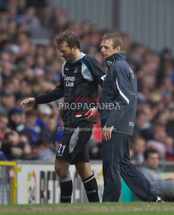 Blackburn, England - Sunday, March 11, 2007: Manchester City's manager Stuart Pearce and Dietmar Hamann during the FA Cup Quarter Final match against Blackburn Rovers at Ewood Park. (Pic by David Rawcliffe/Propaganda)
