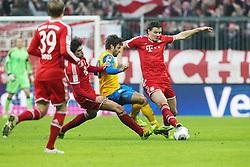 30.11.2013, Allianz Arena, Muenchen, GER, 1. FBL, FC Bayern München vs Eintracht Braunschweig, 14. Runde, im Bild l-r: im Zweikampf, Aktion, mit Javi MARTINEZ #8 (FC Bayern Muenchen), Marco CALIGIURI #33 (Eintracht Braunschweig), Daniel VAN BUYTEN #5 (FC Bayern Muenchen) // during the German Bundesliga 14th round match between FC Bayern München vs Eintracht Braunschweig at the Allianz Arena in Muenchen, Germany on 2013/11/30. EXPA Pictures © 2013, PhotoCredit: EXPA/ Eibner-Pressefoto/ Kolbert<br /> <br /> *****ATTENTION - OUT of GER*****