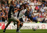 Fotball<br /> England 2005/2006<br /> Foto: SBI/Digitalsport<br /> NORWAY ONLY<br /> <br /> Reading Football Club v Tottenham Hotspurs<br /> Friendly. <br /> Madejski Stadium.<br /> 30/07/2005<br /> <br /> Reading's James Harper attempts to hold back Spurs new signing Wayne Routledge