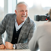 NLD/Amsterdam/20171212 - Perspresentatie All Mixed up the Challenge, Gordon Heuckeroth poseert voor fotograaf