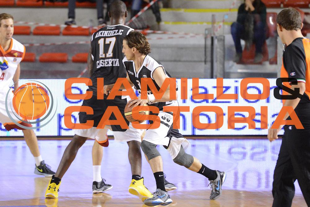 DESCRIZIONE : Roma Lega A 2012-13 Acea Roma Juve Caserta<br /> GIOCATORE : Marco Mordente<br /> CATEGORIA : controcampo difesa sequenza<br /> SQUADRA : Juve Caserta<br /> EVENTO : Campionato Lega A 2012-2013 <br /> GARA : Acea Roma Juve Caserta<br /> DATA : 28/10/2012<br /> SPORT : Pallacanestro <br /> AUTORE : Agenzia Ciamillo-Castoria/GiulioCiamillo<br /> Galleria : Lega Basket A 2012-2013  <br /> Fotonotizia : Roma Lega A 2012-13 Acea Roma Juve Caserta<br /> Predefinita :