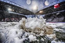 10-12-2017 NED: FC Utrecht - Feyenoord, Utrecht<br /> De aftrap van de competitiewedstrijd tussen FC Utrecht en Feyenoord is toch nog afgelast.
