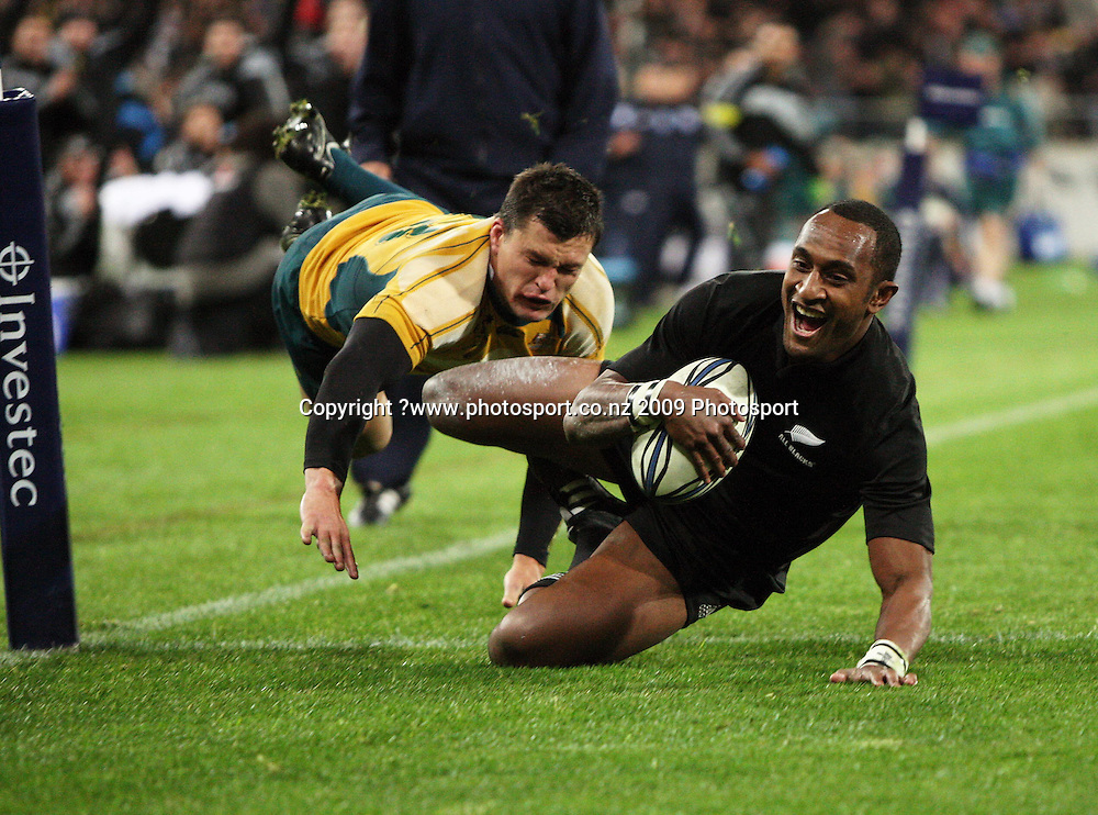 Joe Rokocoko beats Adam Ashley-Cooper to score.<br /> Investec Tri-Nations - All Blacks v Australia at Westpac Stadium, Wellington. Saturday 19 September 2009. Photo: Dave Lintott/PHOTOSPORT
