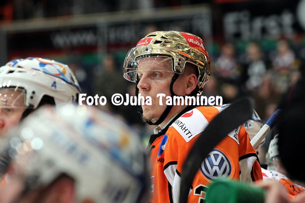 22.04.2010, Patria Areena, H?meenlinna..J??kiekon SM-liiga 2009-10, playoffs 1. loppuottelu HPK - TPS..Ville Viitaluoma - HPK.©Juha Tamminen.