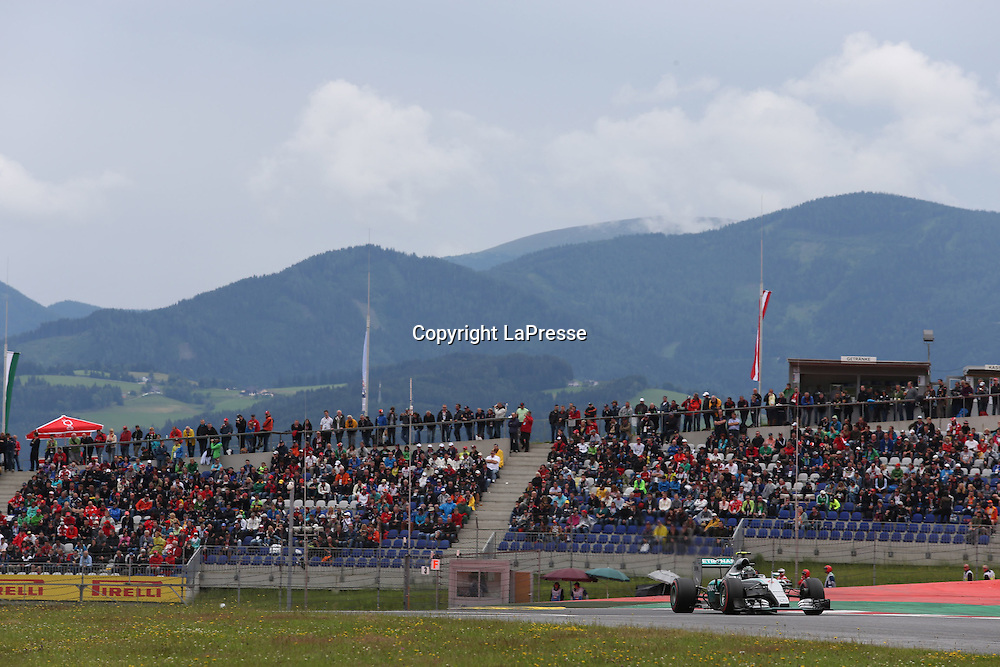 &copy; Photo4 / LaPresse<br /> 20/06/2015 Spielberg, Austria<br /> Sport <br /> Grand Prix Formula One Austria 2015<br /> In the pic: Qualifying, Nico Rosberg (GER) Mercedes AMG F1 W06