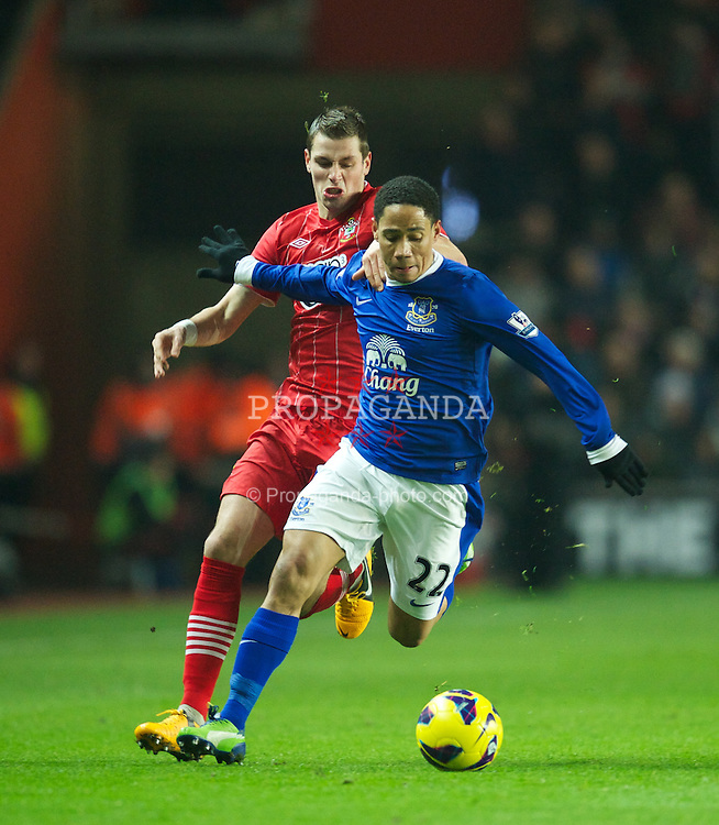 SOUTHAMPTON, ENGLAND - Monday, January 21, 2013: Everton's Steven Pienaar in action against Southampton's Morgan Schneiderlin during the Premiership match at St. Mary's Stadium. (Pic by David Rawcliffe/Propaganda)