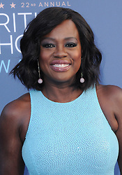 Viola Davis  bei der Verleihung der 22. Critics' Choice Awards in Los Angeles / 111216