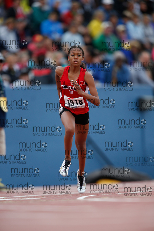Alexia Morgan of St Marcellinus SS -Mississauga competes in the 800 metre heats at the 2013 OFSAA Track and Field Championship in Oshawa Ontario, Saturday,  June 8, 2013.<br /> Mundo Sport Images/ Geoff Robins