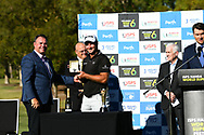 PERTH, AUSTRALIA - FEBRUARY 17: Ryan Fox (NZL) receiving his Tag Heuer Watch on the 18th after the match play of the ISPS Handa World Super 6, Lake Karrinyup Country Club, Perth, Western Australia, on February 17, 2019. <br /> .<br /> .<br /> .<br /> (Photo by: Naratip Golf Srisupab/SEALs Sports Images)<br /> .<br /> Any image use must include a mandatory credit line adjacent to the content which should read: Naratip Golf Srisupab/SEALs Sports Images