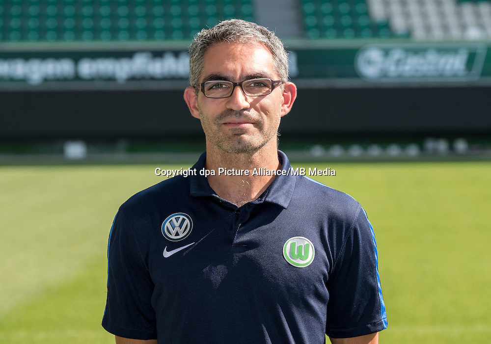 German Bundesliga - Season 2016/17 - Photocall VfL Wolfsburg on 14 September 2016 in Wolfsburg, Germany: Physiotherapist Michele Putaro. Photo: Peter Steffen/dpa | usage worldwide