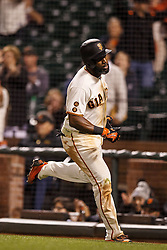 SAN FRANCISCO, CA - APRIL 18:  Denard Span #2 of the San Francisco Giants scores a run on a wild pitch from Daniel Hudson (not pictured) of the Arizona Diamondbacks during the eighth inning at AT&T Park on April 18, 2016 in San Francisco, California.  (Photo by Jason O. Watson/Getty Images) *** Local Caption *** Denard Span