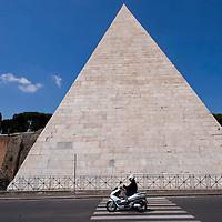 Piramide di Caio Cestio, completato il restauro