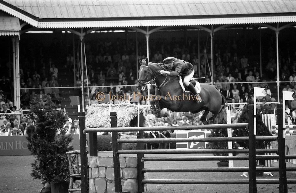 """07/08/1987<br /> 08/07/1987<br /> 07 August 1987<br /> Bank of Irelands Nations Cup for the Aga Khan trophy competition. Commandant Gerry Mullins (Ireland) on """"Rockbarton""""."""