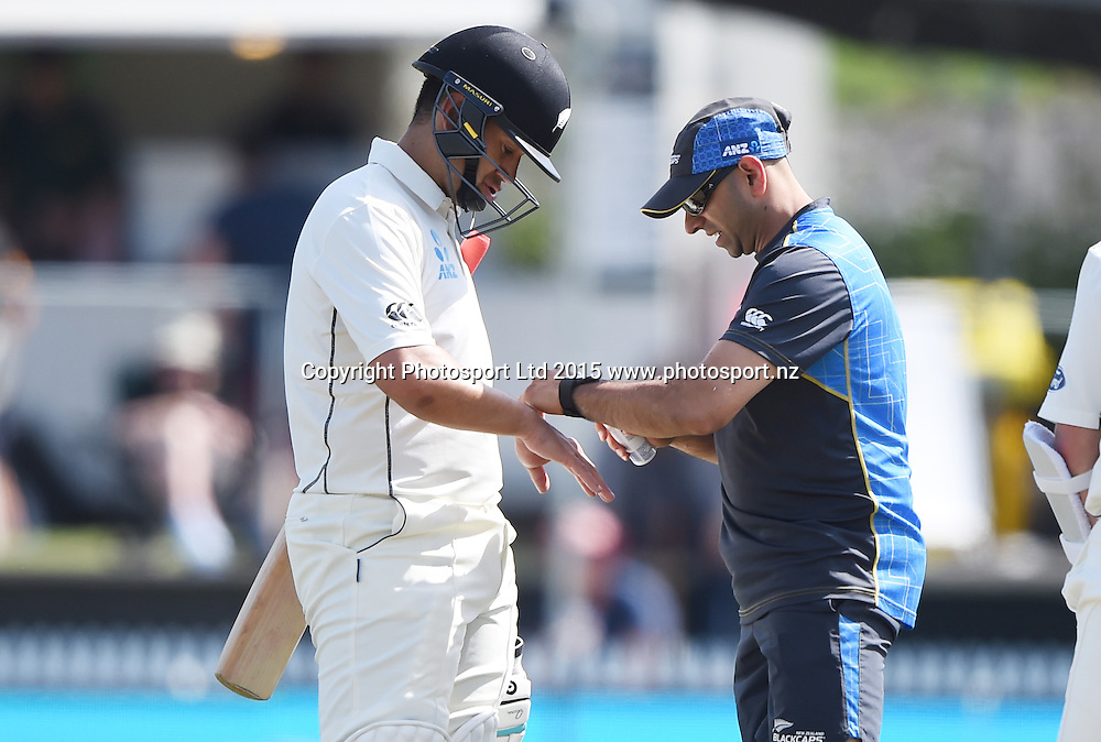 Ross Taylor receives treatment from the team physio on day 3 of the 2nd cricket test match between New Zealand Black Caps and Sri Lanka at Seddon Park in Hamilton, New Zealand. Sunday 20 December 2015. Copyright photo: Andrew Cornaga / www.photosport.nz