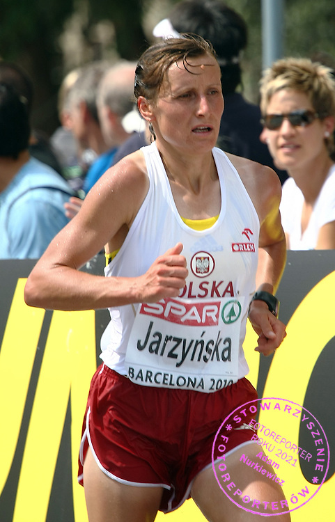 KAROLINA JARZYNSKA (POLAND) COMPETES IN THE WOMEN'S MARATHON DURING THE 2010 EUROPEAN ATHLETICS CHAMPIONSHIPS AT OLYMPIC STADIUM IN BARCELONA, SPAIN...SPAIN , BARCELONA , JULY 31, 2010..( PHOTO BY ADAM NURKIEWICZ / MEDIASPORT )..PICTURE ALSO AVAIBLE IN RAW OR TIFF FORMAT ON SPECIAL REQUEST.