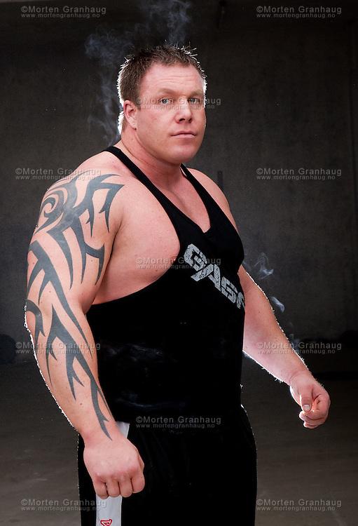 Portretter av strongman Richard Skog, tatt til artikkel som ble publisert på Treningsforum 11 mai 2010.