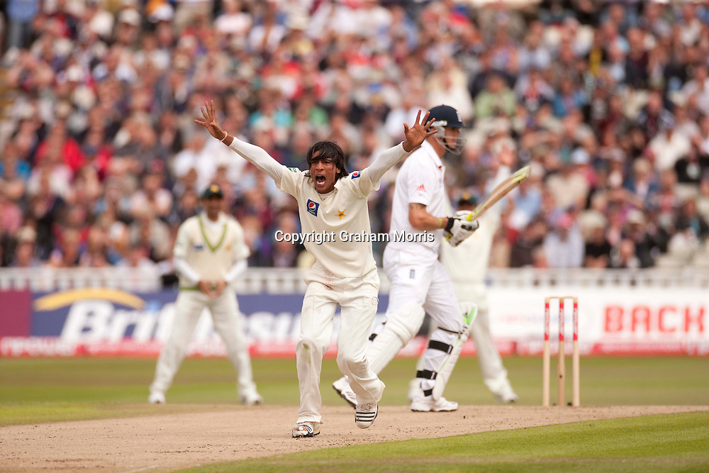 Mohammad Amir appeals in vain for the lbw of Kevin Pietersen during the second npower Test Match between England and Pakistan at Edgbaston, Birmingham.  Photo: Graham Morris (Tel: +44(0)20 8969 4192 Email: sales@cricketpix.com) 07/08/10