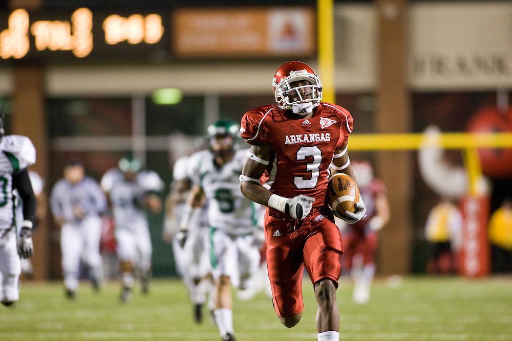 University of Arkansas Razorback Football action photos during the 2009-2010 season in Fayetteville, Arkansas....©Wesley Hitt.All Rights Reserved.501-258-0920.