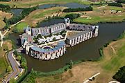 Nederland, Noord Brabant, Gemeente Den Bosch, 08-07-2010. Engelen, Slot Haverleij, onderdeel van het Plan Haverleij bestaat uit een negental kastelen, elk in een andere stijl. Het stedenbouwkundig ontwerp van het landgoed is van Sjoerd Soeters en Paul van Beek..Haverleij Castle, part of the Plan Haverleij / housing project, consists of nine castles, each in a different style. The urban design by Sjoerd Soeters and Paul van Beek..luchtfoto (toeslag), aerial photo (additional fee required).foto/photo Siebe Swart.