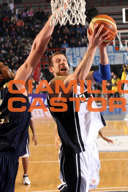 DESCRIZIONE : Napoli Eurolega 2006-07 Eldo Napoli Ulker Istanbul <br />GIOCATORE : Rocca<br />SQUADRA : Eldo Napoli<br />EVENTO : Eurolega 2006-2007 <br />GARA : Eldo Napoli Ulker Istanbul<br />DATA : 30/11/2006 <br />CATEGORIA : Tiro<br />SPORT : Pallacanestro <br />AUTORE : Agenzia Ciamillo-Castoria/G.Ciamillo