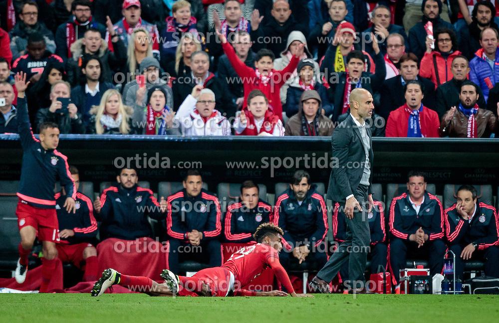03.05.2016, Allianz Arena, Muenchen, GER, UEFA CL, FC Bayern Muenchen vs Atletico Madrid, Halbfinale, Rueckspiel, im Bild Rafinha (FC Bayern Muenchen), Kingsley Coman (FC Bayern Muenchen), Trainer Pep Guardiola (FC Bayern Muenchen) // Rafinha (FC Bayern Muenchen) Kingsley Coman (FC Bayern Muenchen) Trainer Pep Guardiola (FC Bayern Muenchen) during the UEFA Champions League semi Final, 2nd Leg match between FC Bayern Munich and Atletico Madrid at the Allianz Arena in Muenchen, Germany on 2016/05/03. EXPA Pictures © 2016, PhotoCredit: EXPA/ JFK