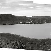 Hudson River, Stormking Mountain and Bannerman's Island