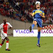 NLD/Amsterdam/20050731 - LG Amsterdam Tournament 2005, Ajax - Boca Juniors, Hatem Trabelsi en Daniel Bilos