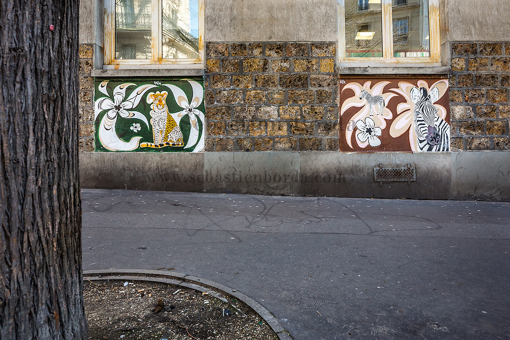 Oeuvre Street art de Moloko et associés. Paris //  Moloko et associés street art work