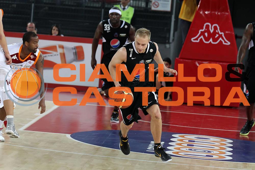 DESCRIZIONE : Roma Lega A 2010-11 Lottomatica Virtus Roma Pepsi Caserta<br /> GIOCATORE : Lukasz Koszarek<br /> SQUADRA : Pepsi Caserta<br /> EVENTO : Campionato Lega A 2010-2011 <br /> GARA : Lottomatica Virtus Roma Pepsi Caserta<br /> DATA : 23/04/2011<br /> CATEGORIA : palleggio<br /> SPORT : Pallacanestro <br /> AUTORE : Agenzia Ciamillo-Castoria/ElioCastoria<br /> Galleria : Lega Basket A 2010-2011 <br /> Fotonotizia : Roma Lega A 2010-11 Lottomatica Virtus Roma Pepsi Caserta<br /> Predefinita :