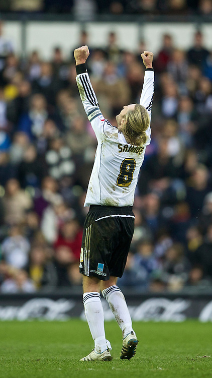 DERBY, ENGLAND - Saturday, March 12, 2011: Derby County's Robbie Savage celebrates his side's 2-1 victory over Swansea City during the Football League Championship match at Pride Park. (Photo by David Rawcliffe/Propaganda)