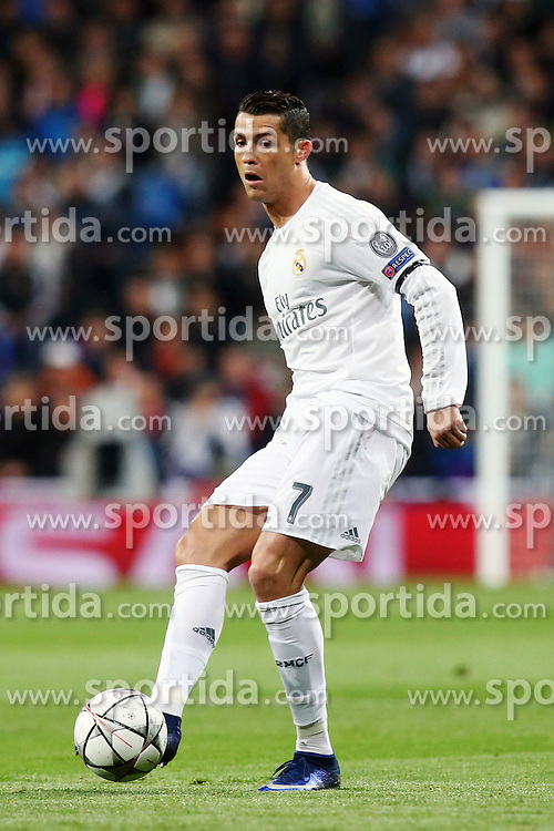 12.04.2016, Estadio Santiago Bernabeu, Madrid, ESP, UEFA CL, Real Madrid vs VfL Wolfsburg, Viertelfinale, Rueckspiel, im Bild Cristiano Ronaldo ( Real Madrid ) // during the UEFA Champions League Quaterfinal, 2nd Leg match between Real Madrid and VfL Wolfsburg at the Estadio Santiago Bernabeu in Madrid, Spain on 2016/04/12. EXPA Pictures &copy; 2016, PhotoCredit: EXPA/ Eibner-Pressefoto/ Langer<br /> <br /> *****ATTENTION - OUT of GER*****