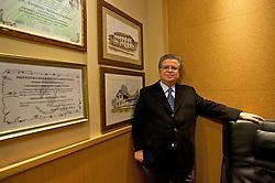 Natural de Farroupilha e descendente direto de italianos (tanto por parte materna quanto parterna), o cardiologista reconhecido nacionalmente, Fernando Lucchese realiza cerca de 1300 cirurgias por ano. FOTO: Lucas Uebel/Preview.com
