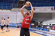 DESCRIZIONE : Qualificazioni EuroBasket 2015 - Allenamento <br /> GIOCATORE : Riccardo Cervi<br /> CATEGORIA : nazionale maschile senior A <br /> GARA : Qualificazioni EuroBasket 2015 viaggio - Allenamento<br /> DATA : 11/08/2014 <br /> AUTORE : Agenzia Ciamillo-Castoria