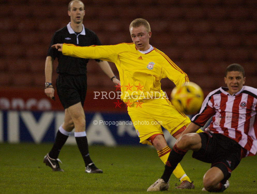 Sheffield, England - Thursday, February 15, 2007: Liverpool's Ray Putterill shoots at the Sheffield United goal during the FA Youth Cup Quarter-Final match at Bramall Lane. (Pic by David Rawcliffe/Propaganda)