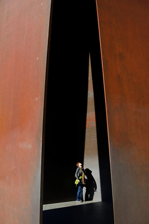 "Richard Serra, ""Vortex"" culpture in front of the Modern Art Museum,Fort Worth,Texas,USA"