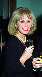 Actress JOANNA LUMLEY at a party in London on 1st February 2000.OAN 32 wo