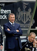 Fotball<br /> England 2005/2006<br /> Foto: SBI/Digitalsport<br /> NORWAY ONLY<br /> <br /> Newcastle United v ZTS Dubnica, Intertoto Cup. 23/07/2005.<br /> Newcastle manager Graeme Souness looks glum as his team struggled to break Dubnica down.