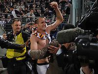 FUSSBALL INTERNATIONAL  SERIE A  SAISON  2011/2012  37.Spieltag  Cagliari Calcio - Juventus Turin  06.05.2012 Giorgio Chiellini (Juventus) jubelt nach dem Spiel ueber den Sieg