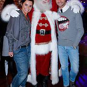 NLD/Hilversum/20121207 - Skyradio Christmas Tree, Dyanne Beekman en Fred van Leer met de kerstman