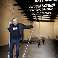 Nederland, Amsterdam , 14 januari 2012..Willem Velthoven, een van de oprichters van Mediamatic (in 1983). Op dit moment ben is Willem Velthoven van het bestuur van de stichting en een van de partners in Mediamatic Lab.Foto:Jean-Pierre Jans