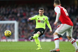 John Fleck of Sheffield United passes the ball - Mandatory by-line: Arron Gent/JMP - 18/01/2020 - FOOTBALL - Emirates Stadium - London, England - Arsenal v Sheffield United - Premier League