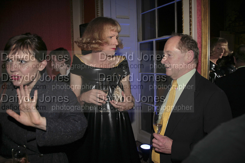 LAURA K. JONES, GRAYSON PERRY AND ANDREW EDMUNDS, Literary Review's Bad Sex In Fiction Prize.  In &amp; Out Club (The Naval &amp; Military Club), 4 St James's Square, London, SW1, 29 November 2006. <br />