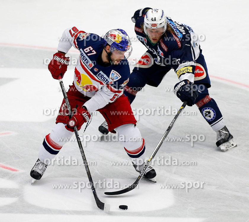 20.03. 2016, Stadthalle, Villach, AUT, EBEL, EC VSV vs EC Red Bull Salzburg, halbfinale, 4. Spiel, im Bild Konstantin Komarek (EC RBS) und Peter Robin Weihager (VSV) // during the Erste Bank Icehockey League 4th semifinal match between EC VSV vs EC Red Bull Salzburg at the City Hall in Villach, Austria on 2016/03/20, EXPA Pictures © 2016, PhotoCredit: EXPA/ Oskar Hoeher